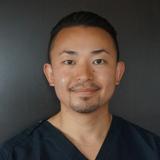 歯科医師:小林 友貴